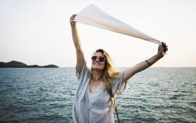 Hilfreiche Tipps und Tricks für Brillen- und Kontaktlinsenträger im Urlaub